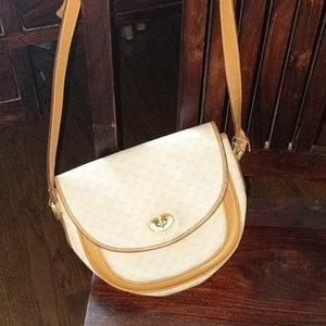 Authentic Vintage Gucci cross body purse